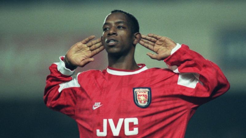 Ian Wright là tiền đạo lừng danh của Arsenal một thời