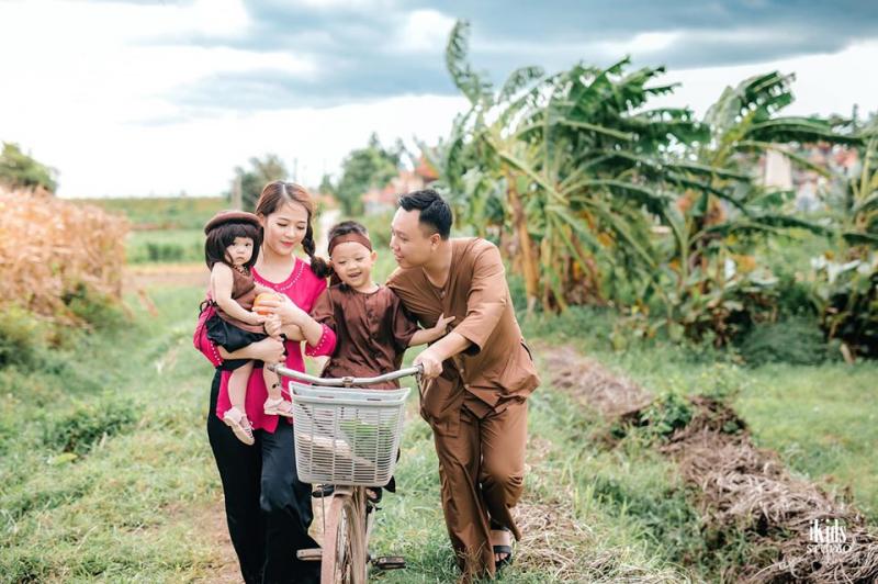 IKIDS Studio đã giúp cho rất nhiều gia đình lưu lại những khoảnh khắc ấy qua  những bức ảnh gia đình
