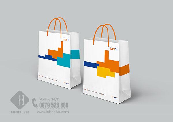Túi giấy in offset 4 màu đẹp mắt, hình ảnh và màu sắc chuẩn.