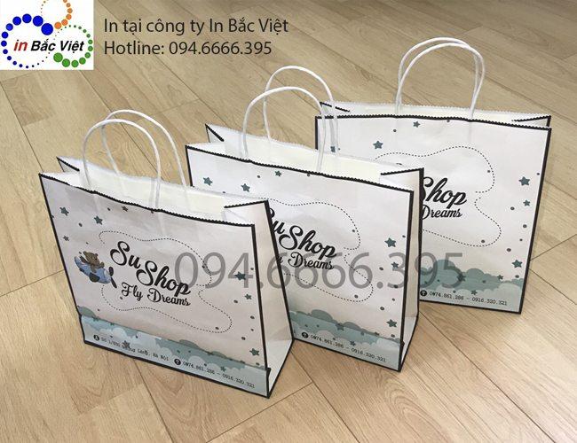 Năng lực sản xuất hơn 8000 túi giấy mỗi ngày, có nhận in túi giấy số lượng ít.