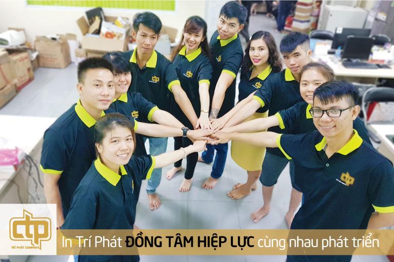 Đội ngũ nhân viên làm việc tận tâm và nhiệt tình tại In Trí Phát