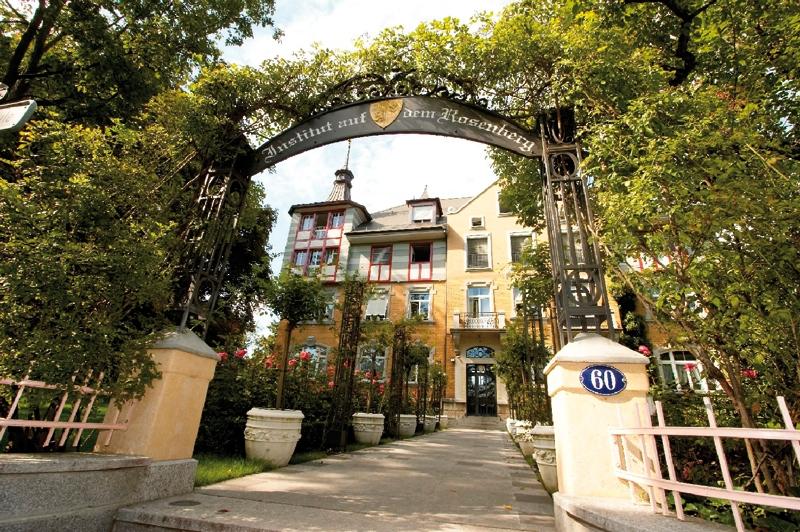 Cổng vào của trường Institut auf dem Rosenberg