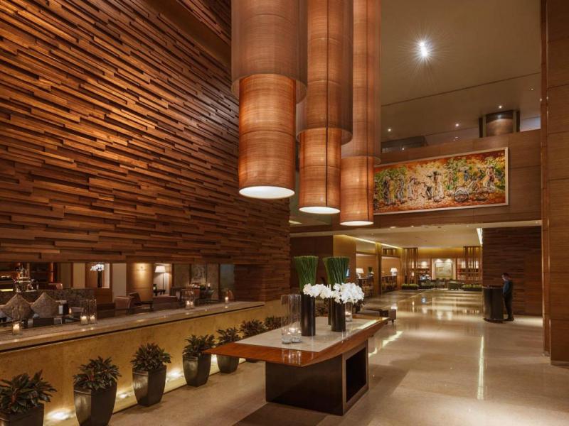 Bên trong khách sạn Intercontinental Asiana Saigon