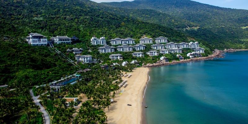 Mỗi phòng tại InterContinental Danang Sun Peninsula Resort đều hướng ra biển