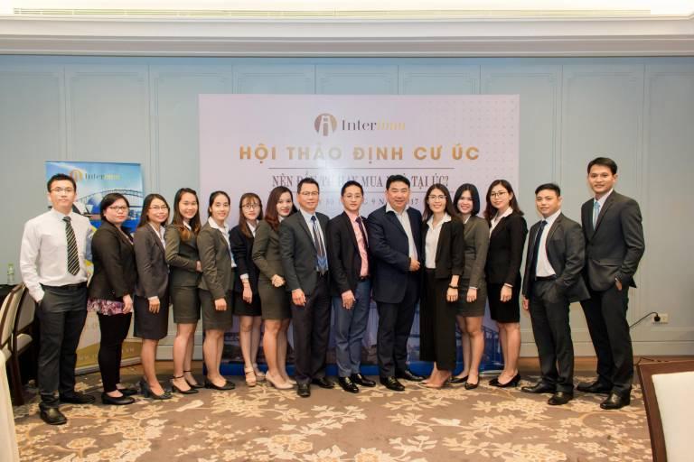 Công ty hoạt động trong lĩnh vực Đầu tư & Định cư, với sự hợp tác của các hãng luật, các nhà phát triển dự án và chuyên gia tư vấn Di trú hàng đầu tại Mỹ, Canada, Úc & Châu Âu