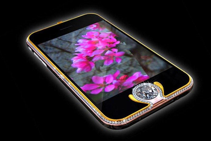 iPhone 3G King's Button có giá 2.400.000 USD