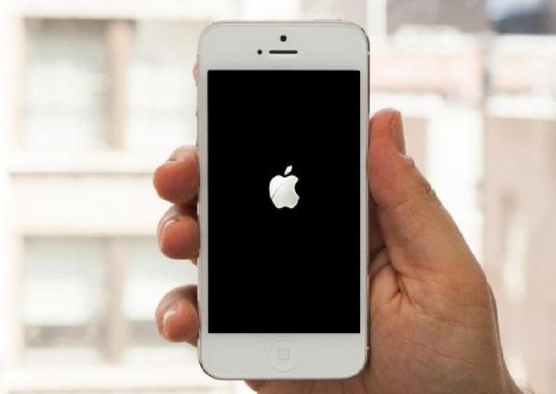 iPhone 5 bị lỗi treo Logo táo