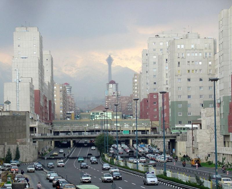 Bầu không khí ở thủ đô Tehran luôn rất ngột ngạt