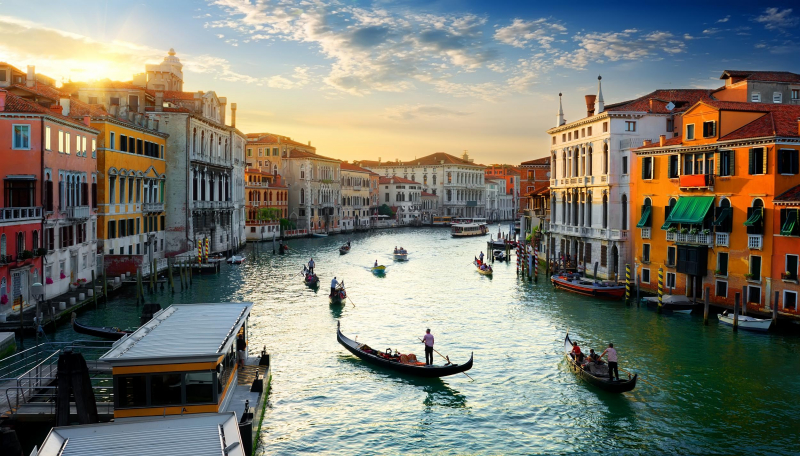 Venice nổi tiếng thế giới với hệ thống kênh đào ngay trong lòng thành phố