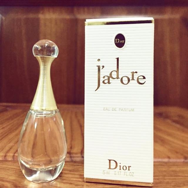 J'adore của Christian Dior