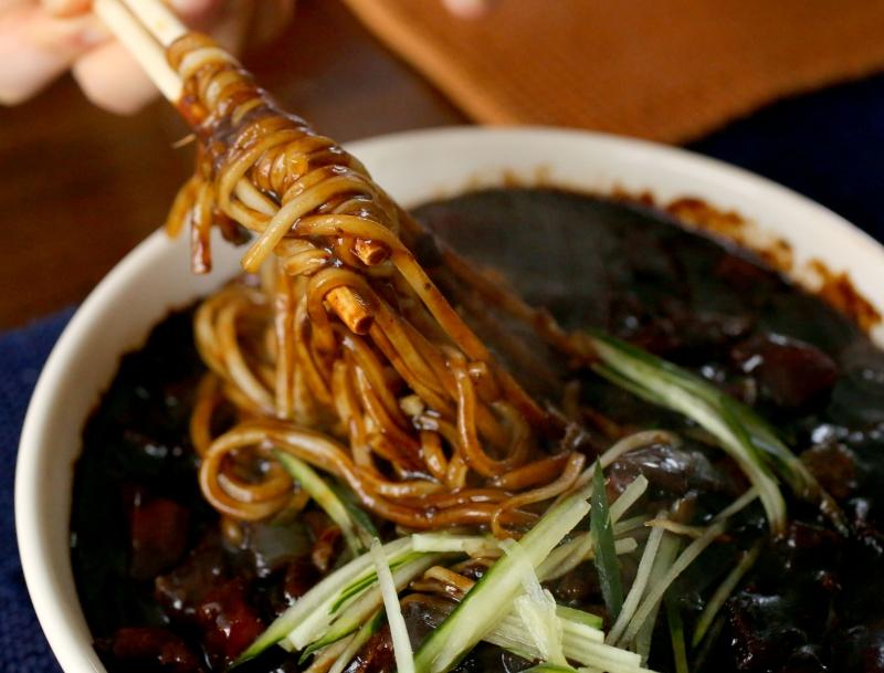 Loại nước sốt đen đặc biệt của Jajangmyeon