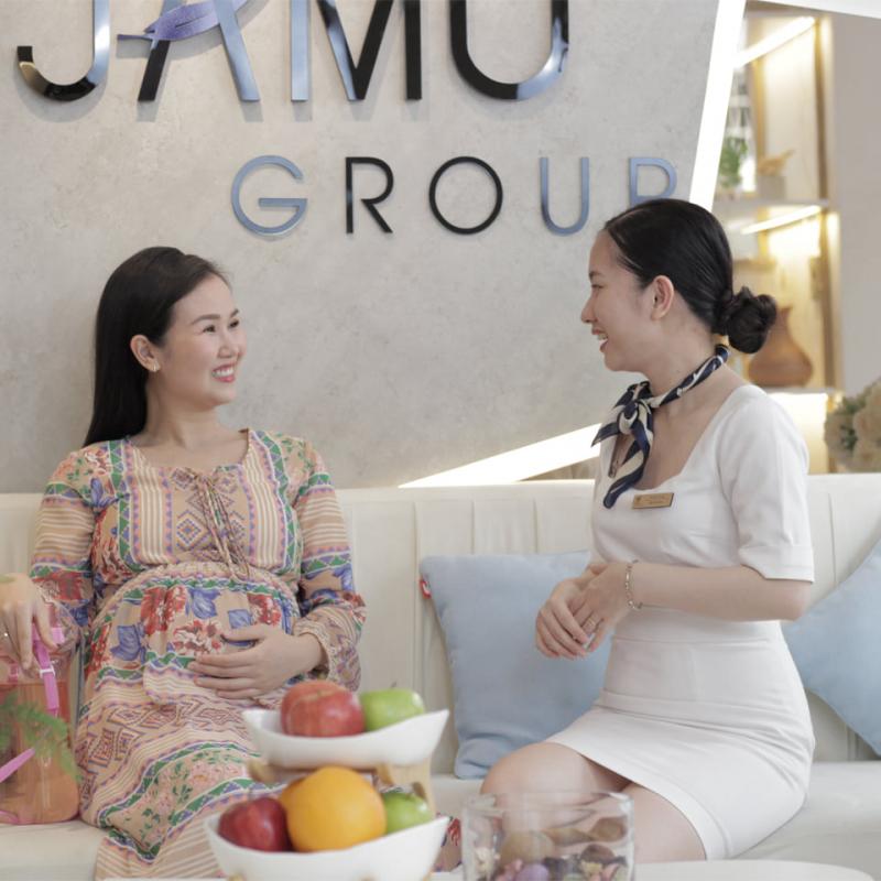 Các mẹ bầu đến để được Jamu tư vấn