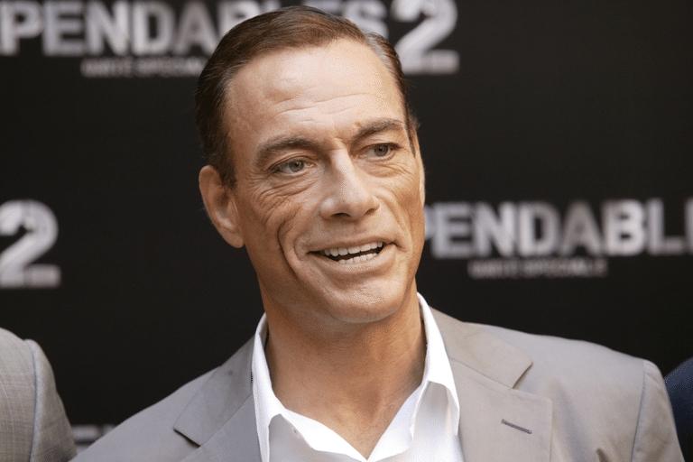 Jean-Claude Van Damme là một trong những ngôi sao võ thuật xứng tầm để sánh vai cùng ngôi sao võ thuật hàng đầu trên thế giới