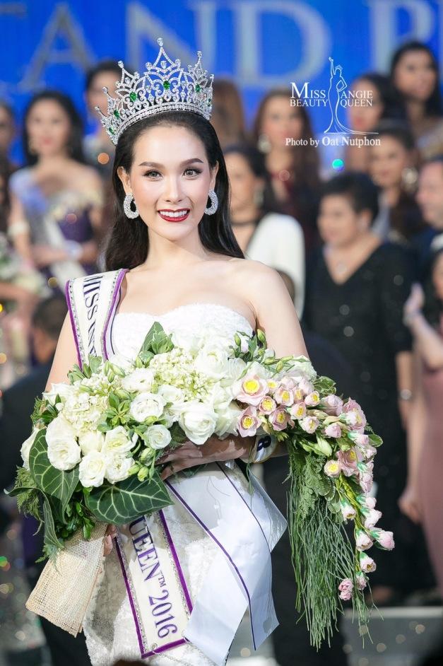 Jiratchaya Sirimongkolnawin đăng quang Hoa hậu chuyển giới quốc tế 2017