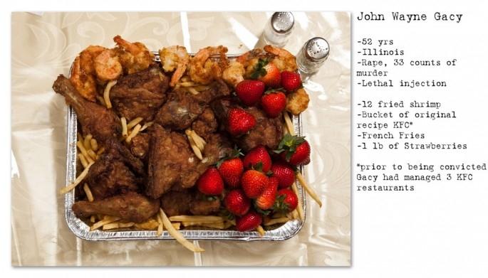 Hộp KFC có dâu tây và khoai tây chiên