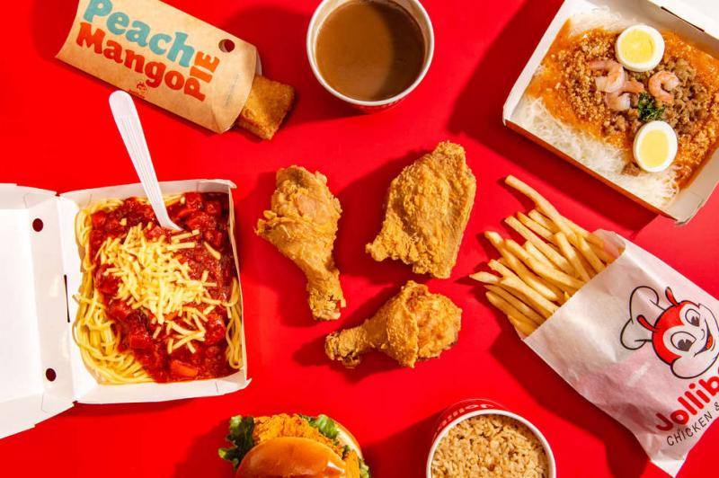 Ăn tại chỗ hay mang về thì chất lượng vẫn rất đảm bảo, gà mang về vẫn còn nóng, gà giòn, xe thịt ra bốc khói nhẹ