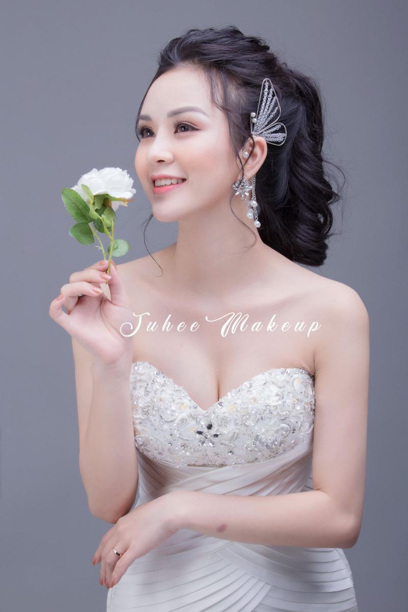 Juhee Makeup - địa chỉ chuyên trang điểm kỷ yếu tại Hà Nội