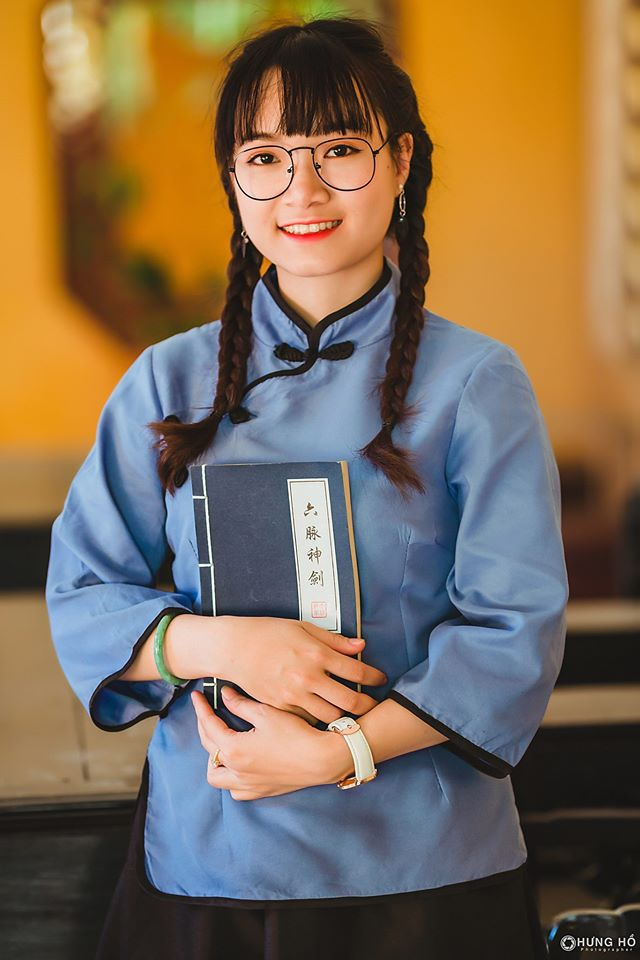 Concept cô gái Trung Hoa tại June