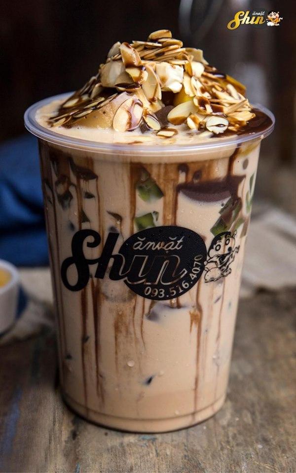 Milo dầm là sự kết hợp hoàn hảo giữa vị đắng của milo và vị ngọt thanh của sữa chưa dẻo, kết hợp cùng với sữa chua đặc thực sự tuyệt vời vô cùng