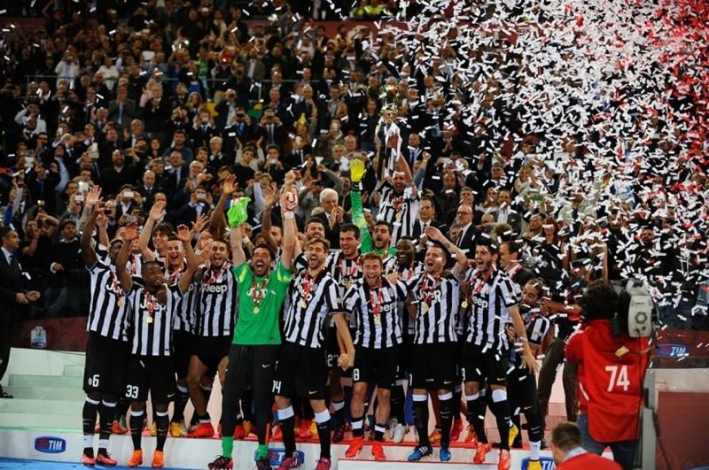 Juventus đang là ĐKVĐ giải đấu