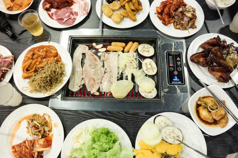 nếu muốn thưởng thức ẩm thực Hàn Quốc, bạn có thể trao niềm tin cho K BBQ.