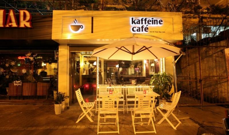 Quang cảnh bên ngoài quán Kaffein Cafe