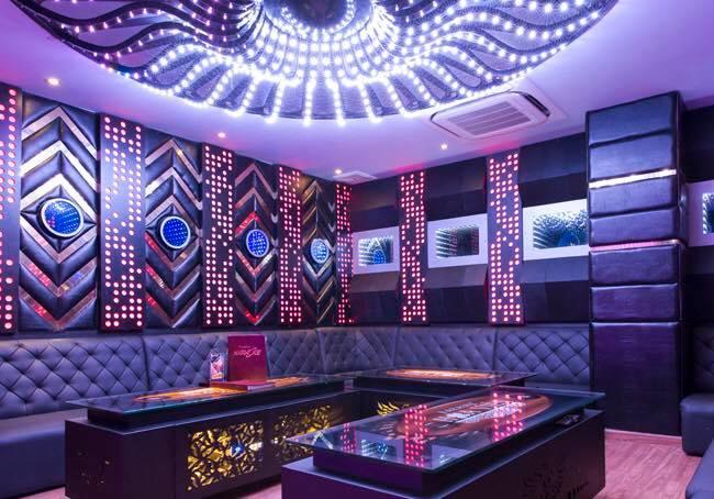 Phòng Karaoke của Kizz