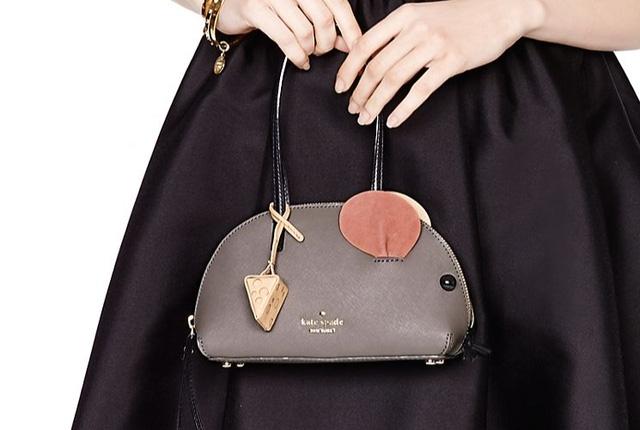 Chiếc túi xách thuộc thương hiệu Kate Spade