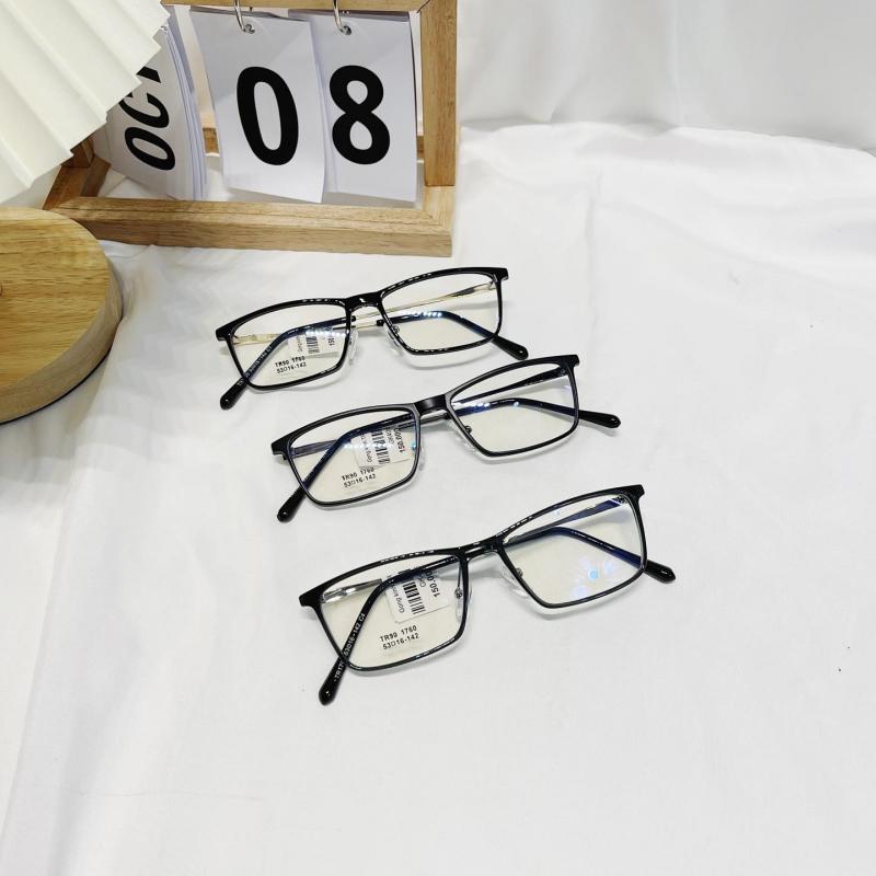 Mẫu kính tại Kee's Shop