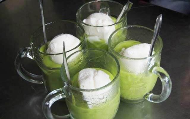 Những cốc kem bơ mát lạnh