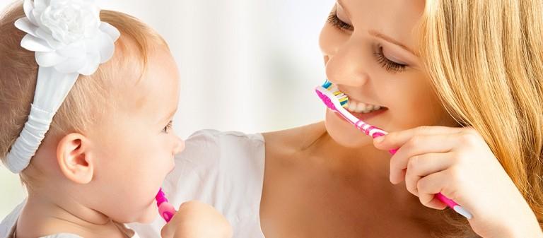 Kem Đánh Răng Arau có hương vị thảo mộc nhẹ nhàng, làm cho răng miệng của bé tươi mát tự nhiên.