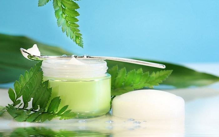 Kem dầu trà dưỡng ẩm dành cho da mụn