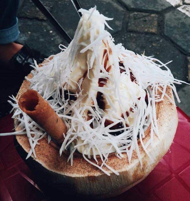 Kem dừa - 29 Hàng Than, 33 Nguyễn Khắc Nhu