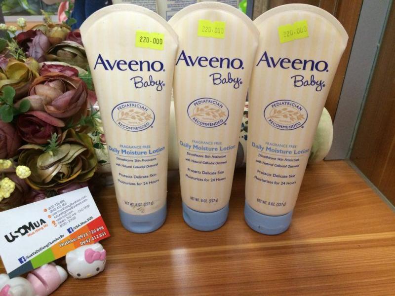 Kem dưỡng da cho bé (lotion) Aveeno Baby Daily Moisture Lotion giúp bảo vệ và giữ ẩm làn da non nớt của con bạn, mang đến cho trẻ một làn da mịn màng, khỏe mạnh.