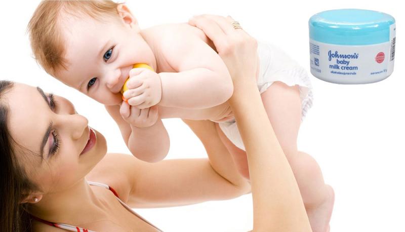 Với thành phần chủ đạo là sữa tươi nguyên chất cô đặc và mầm gạo – 2 thành phần này giúp làm ẩm, làm mềm da, dịu kích ứng da, chữa lành làn da bị bong tróc, thô ráp, nứt nẻ do thiếu độ ẩm.