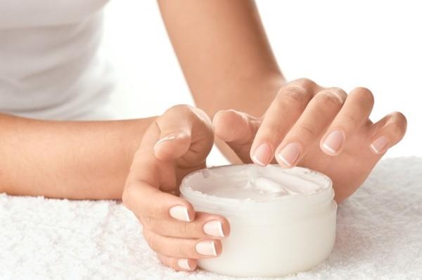 Dùng kem dưỡng phù hợp với da