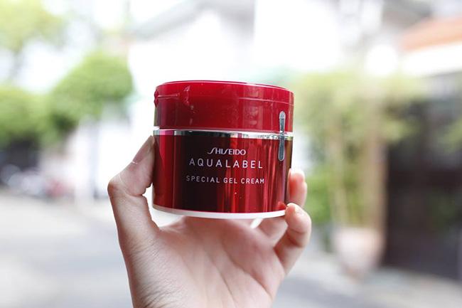 Kem dưỡng Shiseido Aqualabel Special Gel Cream màu đỏ