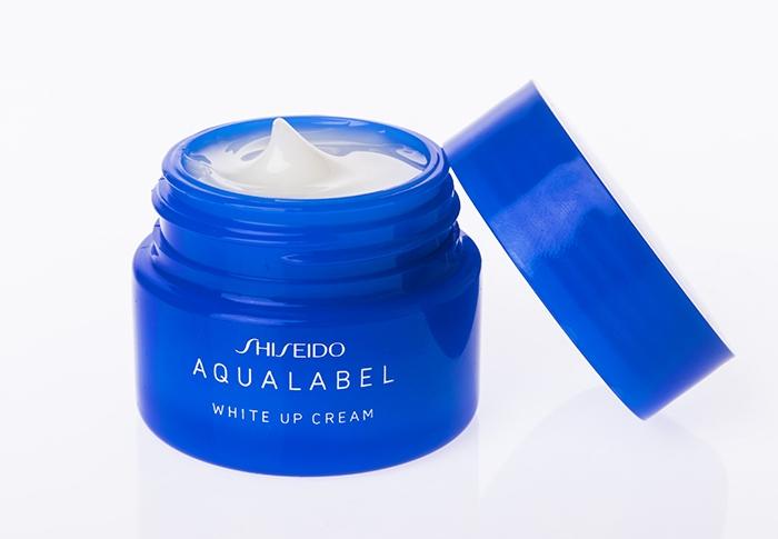 Kem dưỡng trắng da toàn thân Shiseido Aqualabel White up Cream màu xanh