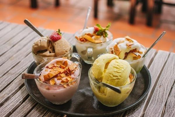 Ăn kem khuya sẽ làm bạn tăng cân