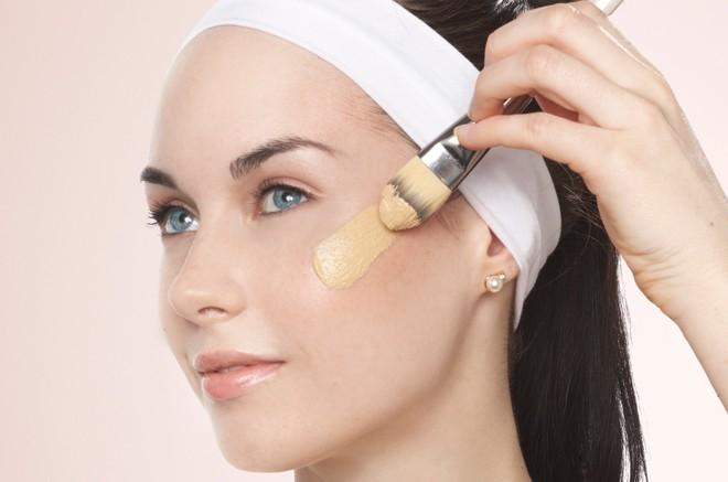 Đối với da dầu, sản phẩm kem nền khuyên dùng chính là dạng gel hoặc bột.