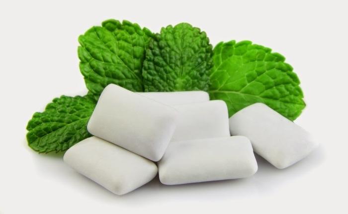 Nếu cảm giác buồn miệng luôn khiến bạn thèm ăn thì hãy để kẹo cao su giúp bạn giải quyết điều đó.