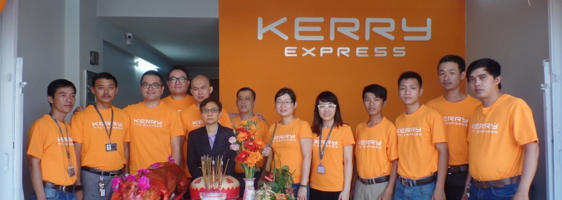 Kerry Express có đội ngũ nhân viên giàu kinh nghiệm sẵn sàng đáp ứng nhu cầu vận chuyển của quí khách.