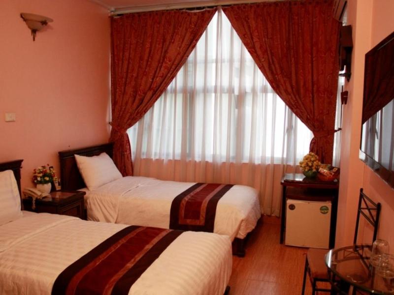 Khách sạn 325