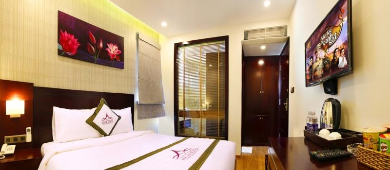Aria Hotel có 69 phòng tất cả đồ nội thất đều dễ chịu, êm ái