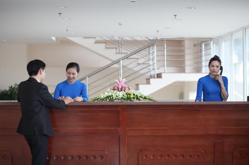 Sảnh lễ tân khách sạn Blue Sea