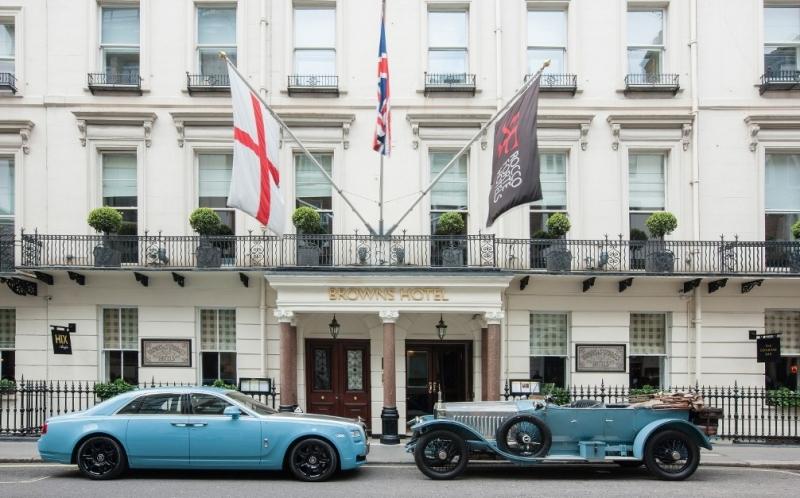 Brown's không chỉ là khách sạn đầu tiên, mà còn là một trong những khách sạn sang trọng bậc nhất của London