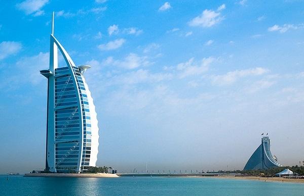 Khách sạn cánh buồm 7 sao Burj Al Arab