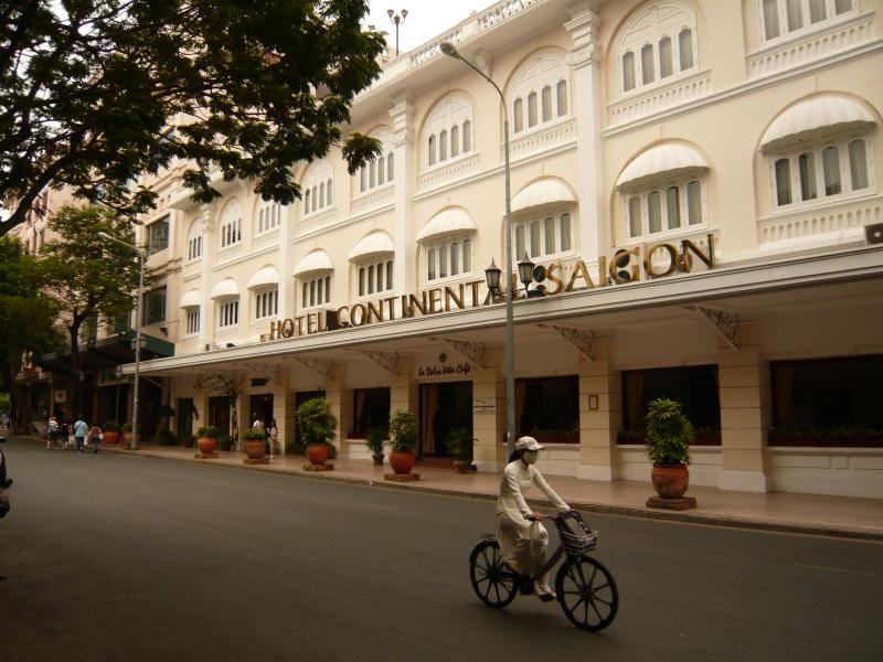 Khách sạn Continental