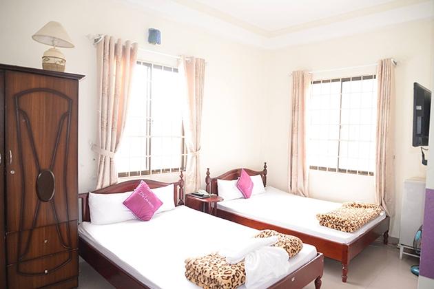 Những phòng trung bình như thế này có giá khoảng tầm gần 200.000 VNĐ/phòng