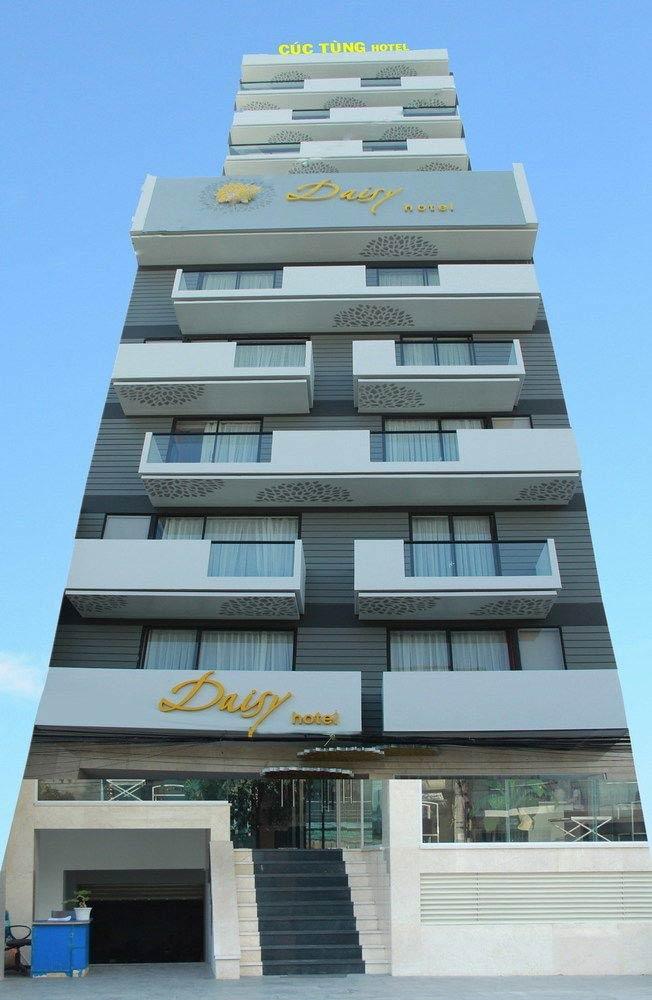 Khách sạn Daisy nhìn từ ngoài